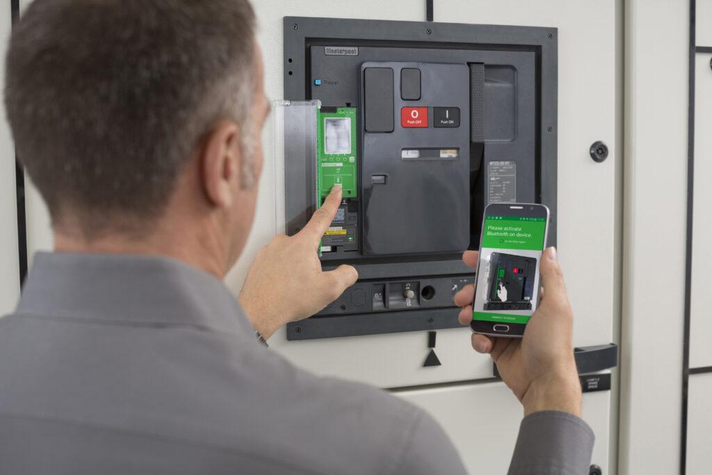 Digitaler Leistungsschalter für eine Vielzahl von Anforderungen | i ...