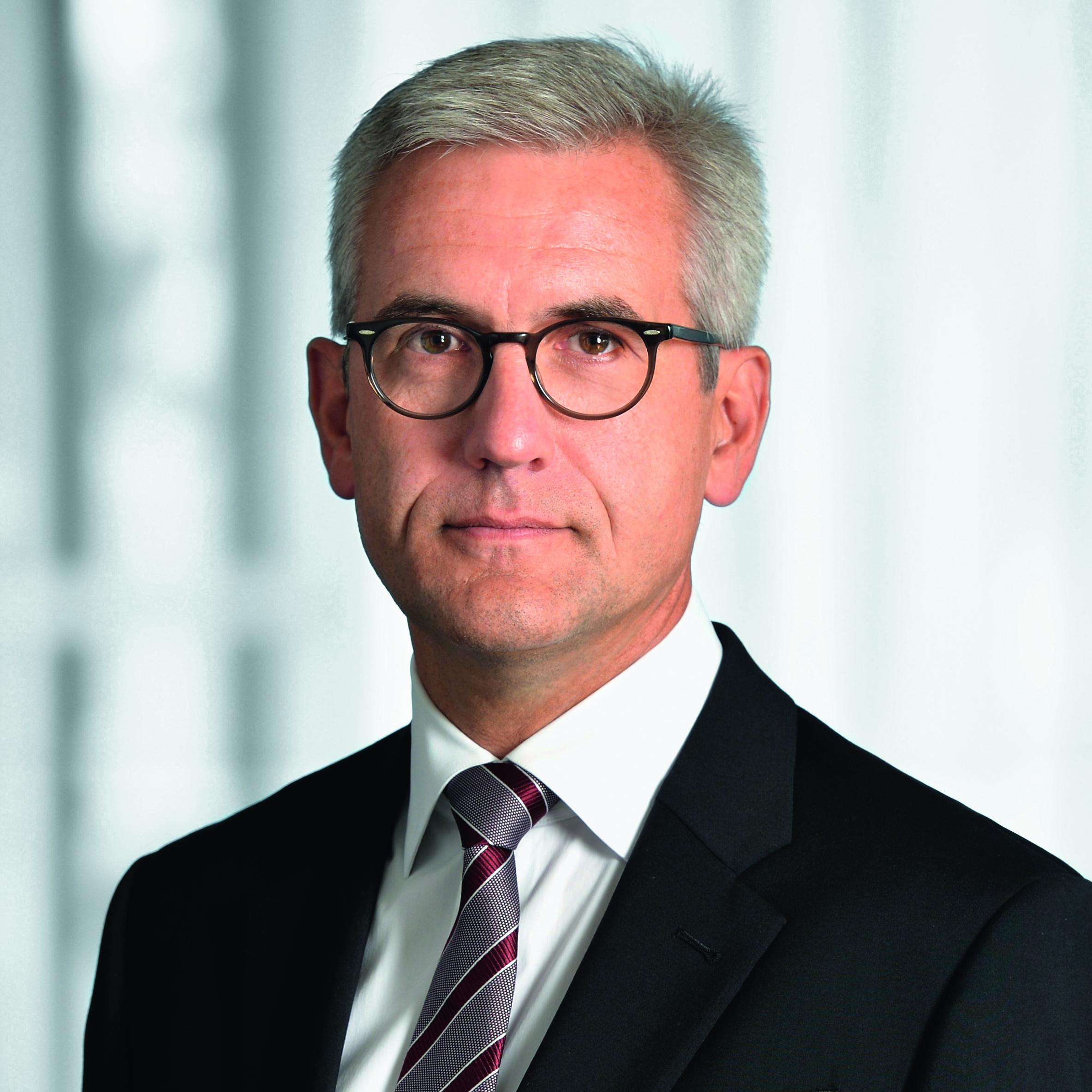 CEO Ulrich Spiesshofer
