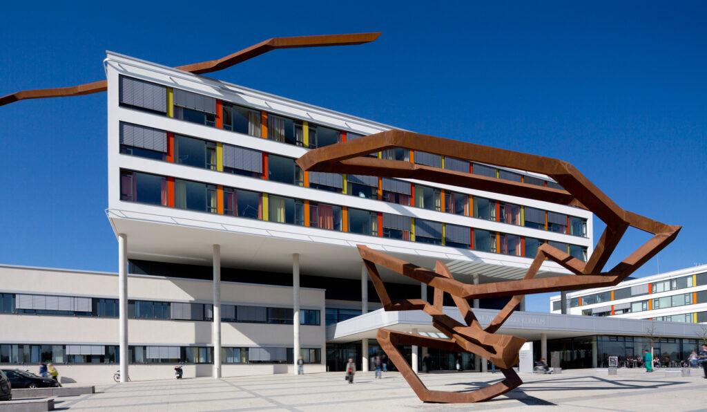 Gebäudekommunikation im vernetzten Krankenhaus | i-Magazin