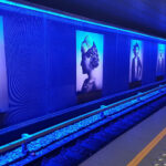 Wallwasher inszenieren Station der Brüsseler Metro