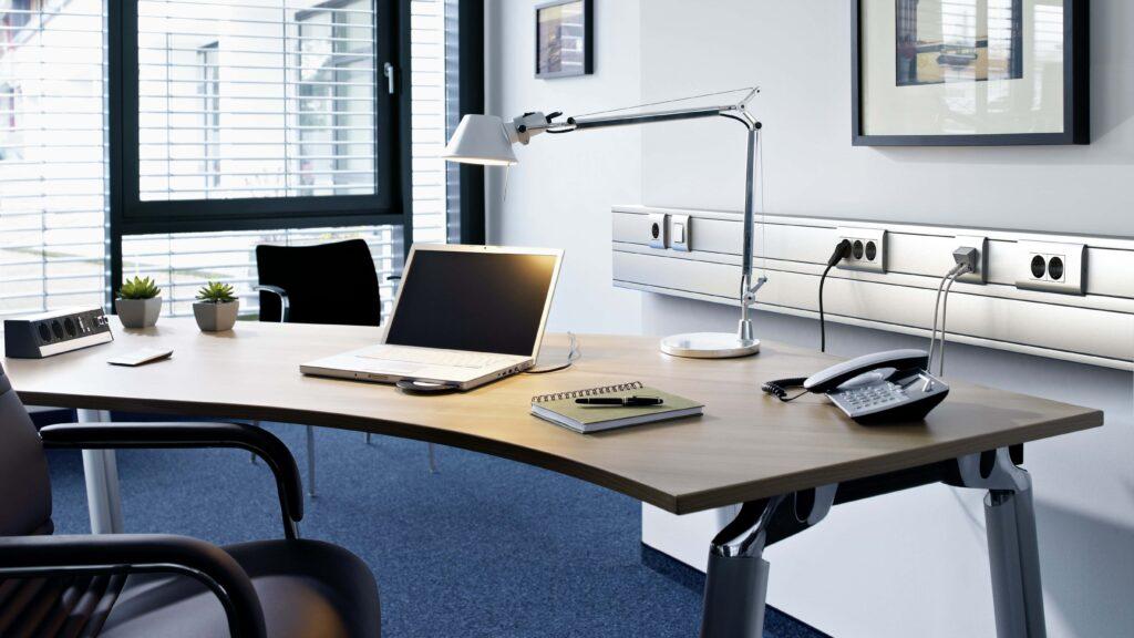 Gebäude, Büro, Schreibtisch