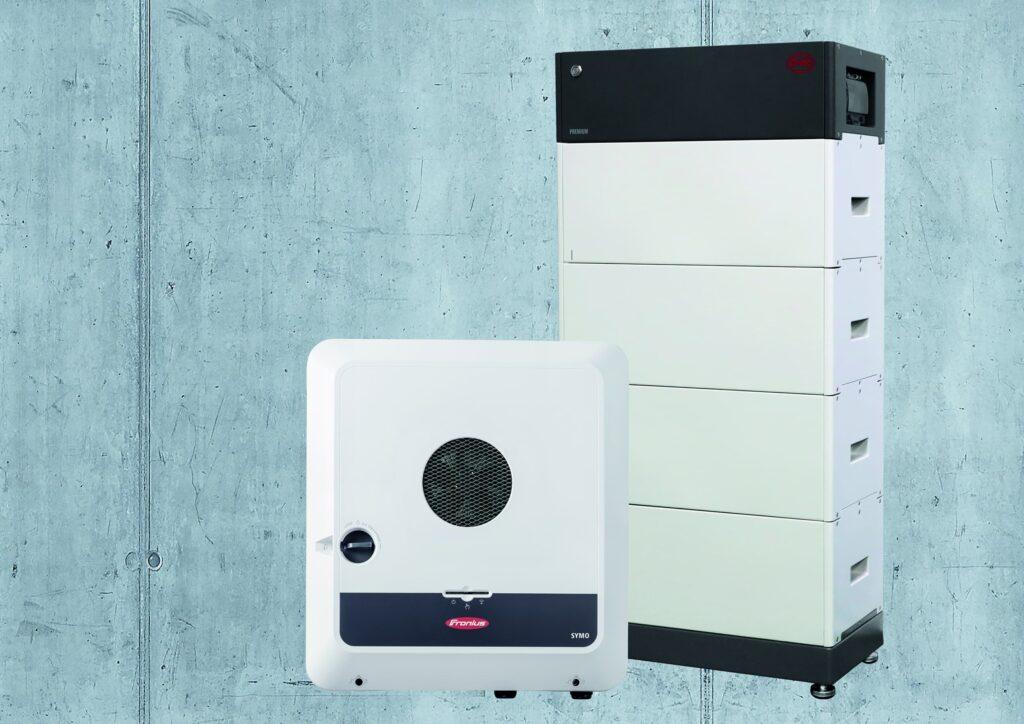 Die Fronius Gen24 Plus und die BYD Battery-Box Premium HVS/HVM.